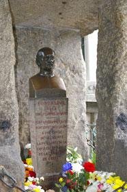 Die Grabstätte von Allan Kardec in Paris